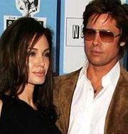 Брэд Питт требует от Анджелины Джоли выйти за него замуж. Фото