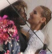 Хайди Клум начала новую шутливую свадебную моду. Фото