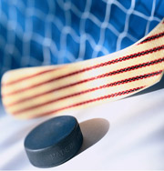 Судья спас жизнь хоккеисту