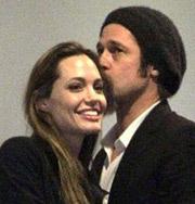 Анджелина Джоли и Брэд Питт целовались на глазах всего стадиона. Фото
