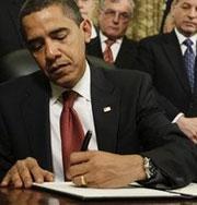 Мишель Обама объедается гамбургерами