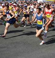 Спортсмен пробежал марафон босиком