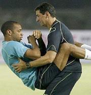 Пикантные моменты из жизни знаменитых футболистов. Фото