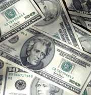 Женщина разбогатела на порванных деньгах