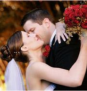 Супруги сыграли 100 свадеб