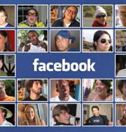 Женщина живет не выходя из дома по Facebook