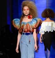 Неделя высокой моды в Париже: фантазии на тему классики от Jean Paul Gaultier. Фото