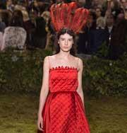 Неделя высокой моды в Париже: невообразимо весенний Christian Dior. Фото