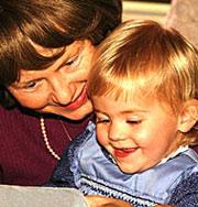 Дедушки и бабушки могут продлить себе жизнь с помощью внуков