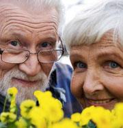 Пожилые люди лучше запоминают лица