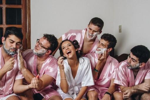 Позвала подружек видео, красивые новогодние сексуальные костюмы снегурочки