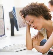 Усталость — признак эндометриоза у женщин