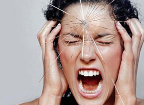 Раздражительность и щитовидка. Как обычная железа влияет на настроение?
