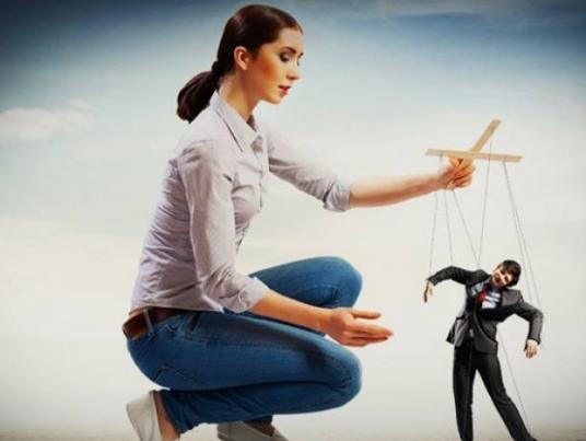 Как женщины манипулируют мужчинами: 5 основных приемов