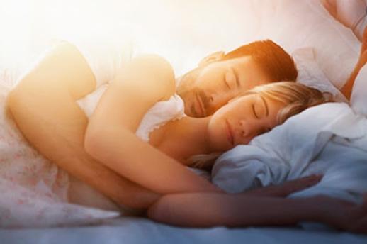 Сон вдвоем вредит мужчине и женщине