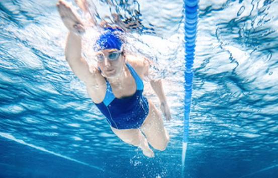 Интенсивное плавание помогает вылечиться от коронавируса