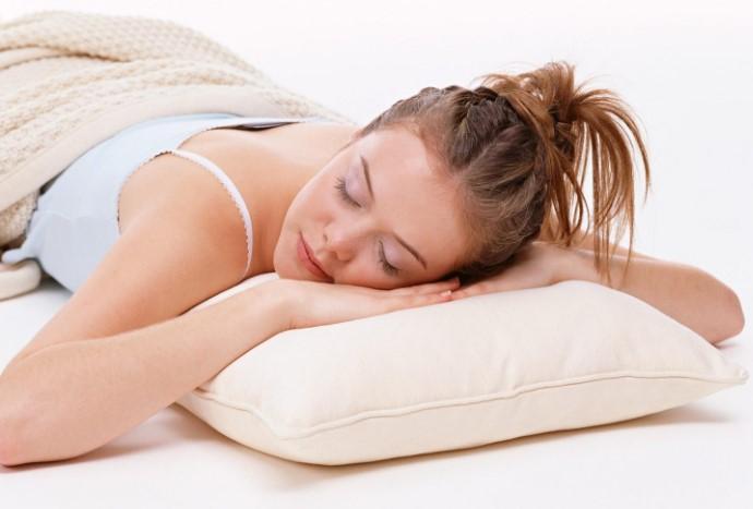 В период эпидемии коронавируса спать на животе опасно