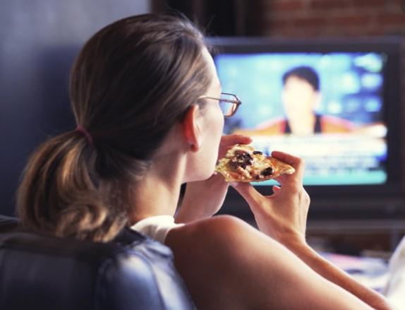 Если постоянно сидеть перед телевизором — у вас мутирует ДНК
